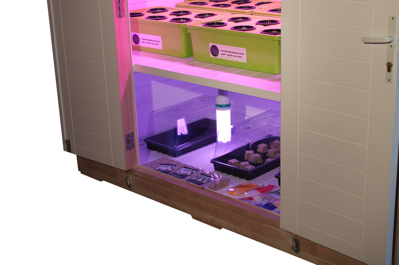 god father led grow box led grow boxes from hydroponics group. Black Bedroom Furniture Sets. Home Design Ideas
